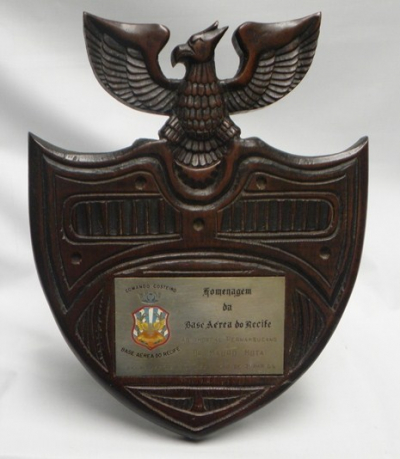 91.5.196 - TROFEUS - HOMENAGEM DA BASE AEREA DO RECIFE